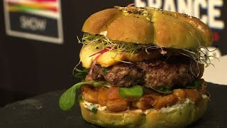 French chefs compete for 'best burger' title
