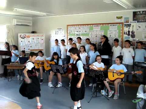 """H VRAKA"" - TRADITIONAL SONG - TRIMIKLINI ELEMENTARY SCHOOL-CYPRUS"
