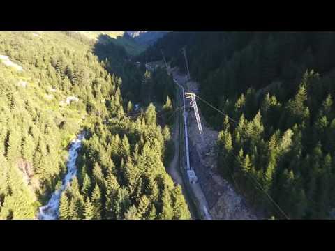 Drohnenflug entlang der