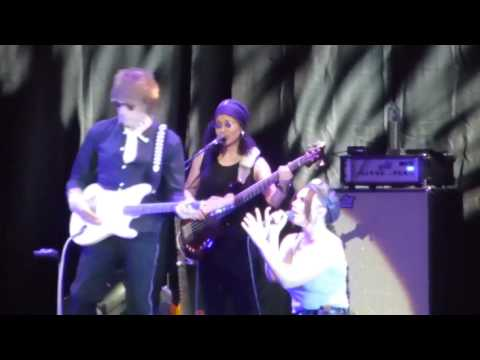Jeff Beck O2 Arena 2016 : Scared For The Children