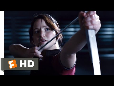 The Hunger Games (4/12) Movie CLIP - Shooting the Apple (2012) HD