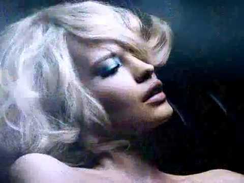 Клип Gary Moore - Drowning In Tears