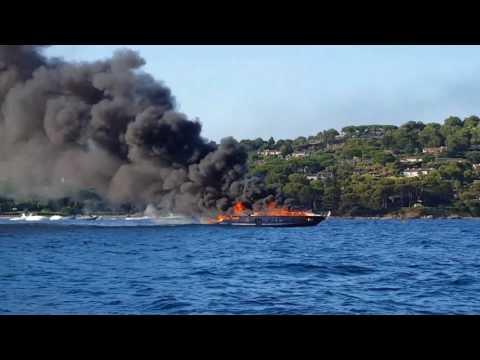 Yacht on fire in Saint-Tropez - Summer 2017