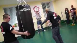 Как наносить удар по мешку(Видео с Новогоднего турнира по силе удара., 2014-12-20T08:22:40.000Z)