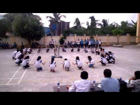 Thi múa lửa trại - 11A5 - 2014