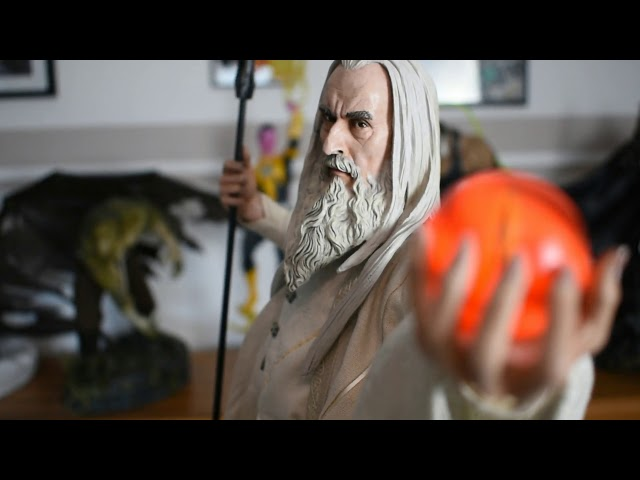 Relic Hunter Team - Sideshow Saruman Premium Format