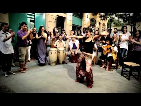 PERET - El Muerto Vivo (con Marina de Ojos de Brujo) on YouTube