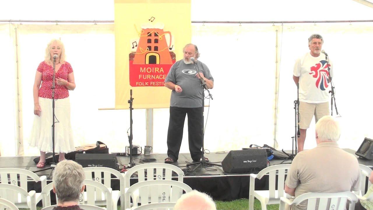Lez Sullivan@Moira Furnace Folk Festival 2012 - YouTube