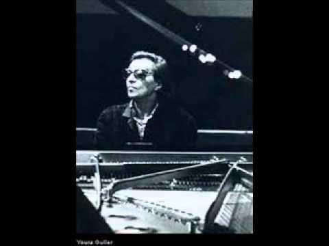 Youra Guller plays Scarlatti Sonata in G minor L 338