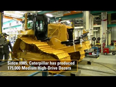 Celebrating 175,000 Cat® Medium High-Drive Dozers