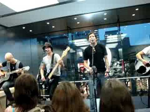 Simple Plan at the Apple Store (Montreal)