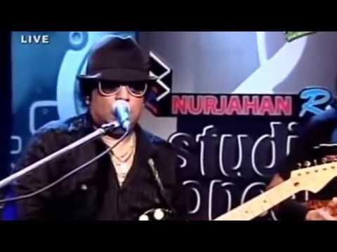 Ekhon Onek Raat - LRB LIVE on RTV