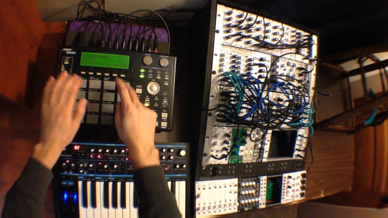 Akai mpc 1000 tutorial part 2 sequencing external synth gear.