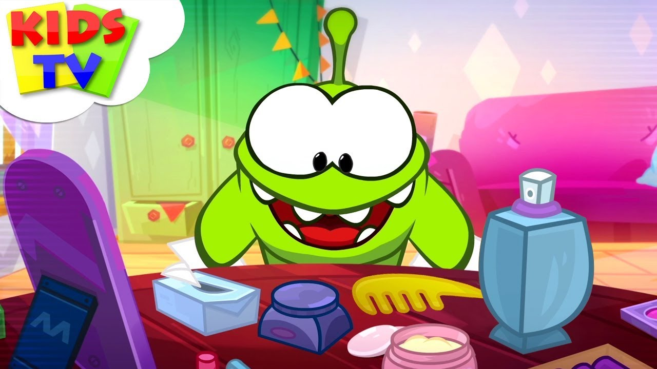 Om Nom Stories: Makeup Tutorial | Video Blog | Funny Cartoons for Children - Kids TV