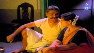 Mapallelo Gopaludu Movie - Romantic Scene