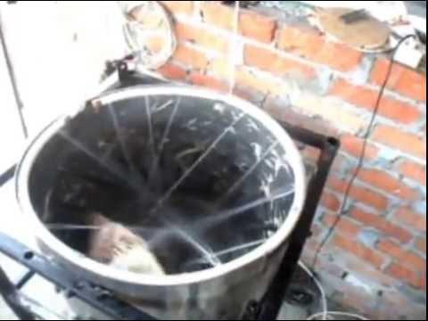 Ощипываем петуха 6 кг за 1.5 минуты  Pluck the rooster - Easy !