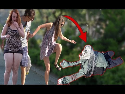 SCARY HALLOWEEN CREEPING GHOST PRANK  - Zombie Haunted - AWESOME REACTIONS