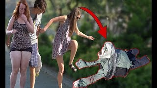 SCARY HALLOWEEN CREEPING GHOST PRANK 👻 - Zombie Haunted - AWESOME REACTIONS