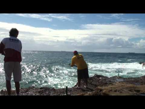 Munmorah Nat Park Rock Fishing.mpg