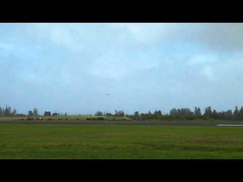 Crosswind landing Norfolk Is.