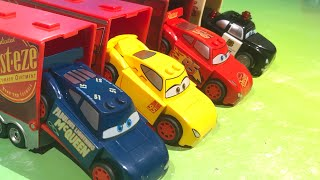 Teaching numbers and colors with Disney cars for kids