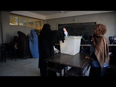 Afghans come out to vote despite security concerns