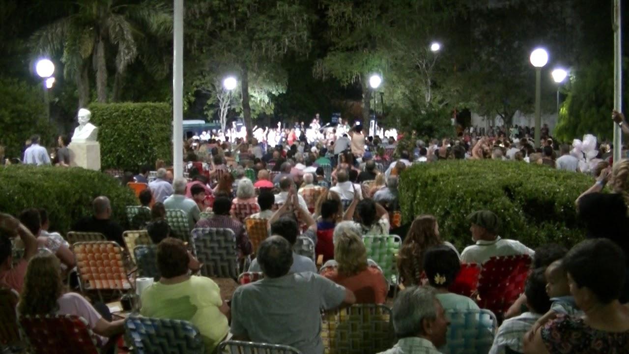 Resultado de imagem para Plaza Constitución - Concepción del Uruguay