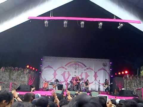 Iwan Fals & Band