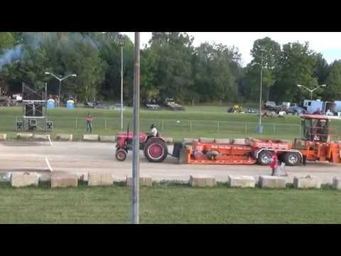 Now......THIS is TRACTOR PULLING!!!!