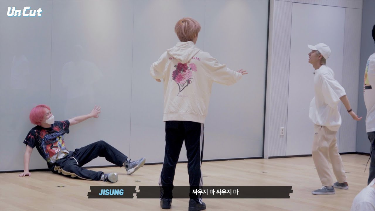 [Un Cut] Take #4|'Hello Future' Dance Practice Behind the Scene