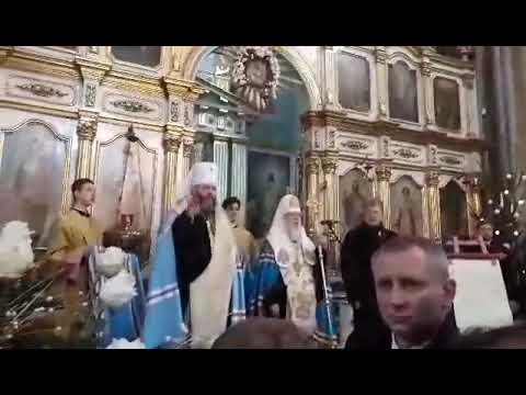 Волинь Post: Порошенко і Філарет з лучанами співають