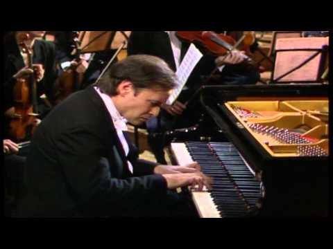 Homero Francesch - W.A. Mozart Piano Concerto No26 in D Major, K537