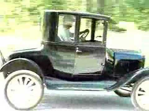 1923 Ford Model T - Driving Forwards