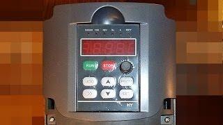 Частотник - пробный запуск(Делаем из 1 фазы = 3 фазы Пробный запуск с токарным станком. Заказывал на Aliexpress:http://www.aliexpress.com/item/Free-shipping-3KW-3000W-V..., 2013-12-23T04:47:18.000Z)