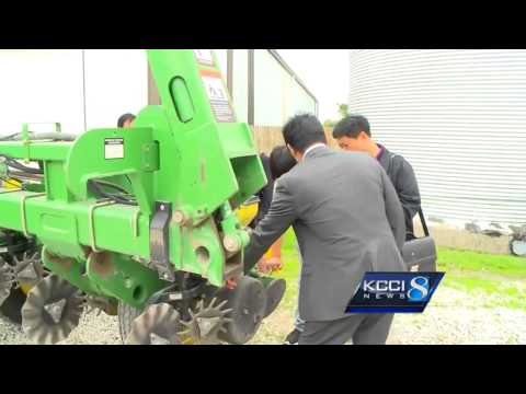 Iowa farms get visit from Chinese trade delegation