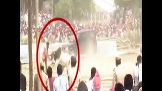 Lok Sabha Polls 2019: Bulls creat ruckus during political rallies