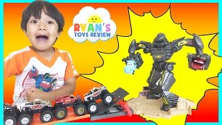 Hot Wheels Monster Jam Trucks Maximum Destruction Battle Trackset Disney Cars Toys for Kids