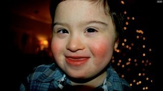 Waiter stands up for child with special needs