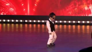 ガンナムスタイル かわいい男の子がキレキレのダンスを披露!!! thumbnail