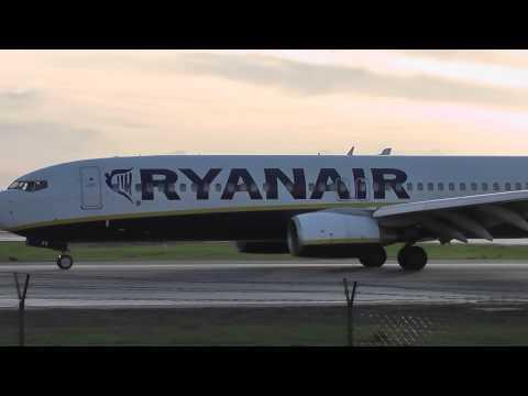 Francisco Sá Carneiro Airport - Landings and Takeoffs 08-11-2013