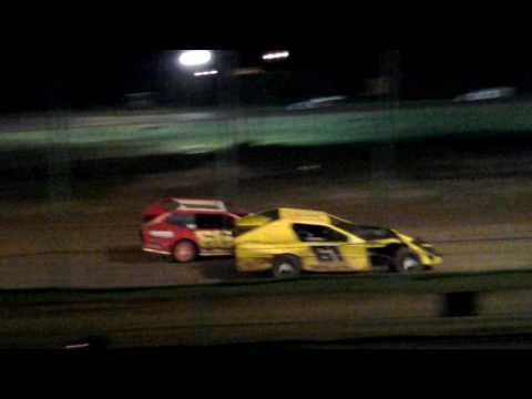 281 speedway Modified feature 7-1-17