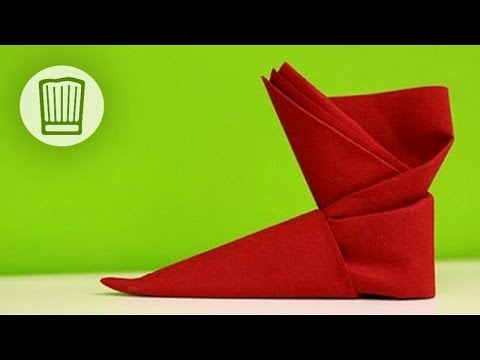 servietten falten der stiefel tischdeko zu nikolaus video faltanleitung youtube. Black Bedroom Furniture Sets. Home Design Ideas