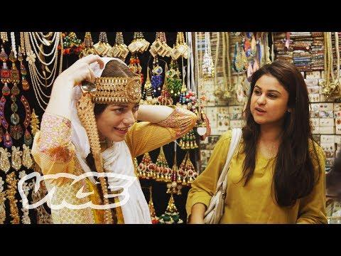 Pakistan (STATES OF UNDRESS Episode 1)