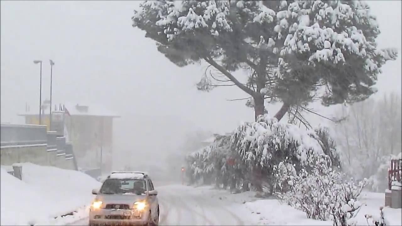 meteo-inverno-2022:Bufere di neve ad Ascoli Piceno nelle Marche (inverno febbraio 2012) -  YouTube