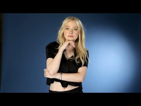 Dakota Fanning says 'timing was right' for the period mystery drama ...