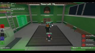 playing a few rounds zmbie rush (ROBLOX )