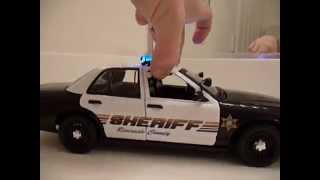 1/18 Riverside County CA Sheriff Vic W/Lights Real Wig Wag Strobes,Multipattern Bar,And 4 Tone Siren