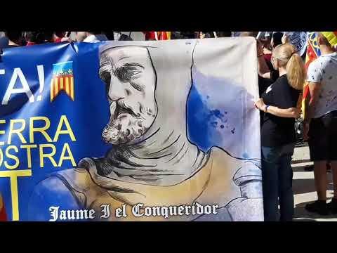 valencia-9-octubre-2019.-ante-la-estatua-de-jaime-i-el-conquistador