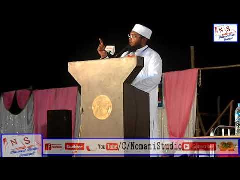 Hazrat Maulana Umrain Mahfooz Rahmani At Grand Counfrence Parbhani