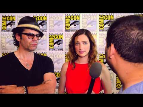 Billy Burke Mitch and Kristen Connolly Jamie talk about Zoo